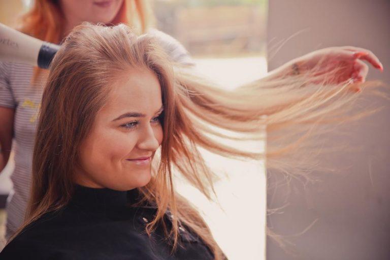 Jak wyselekcjonować sprzęt fryzjerski?