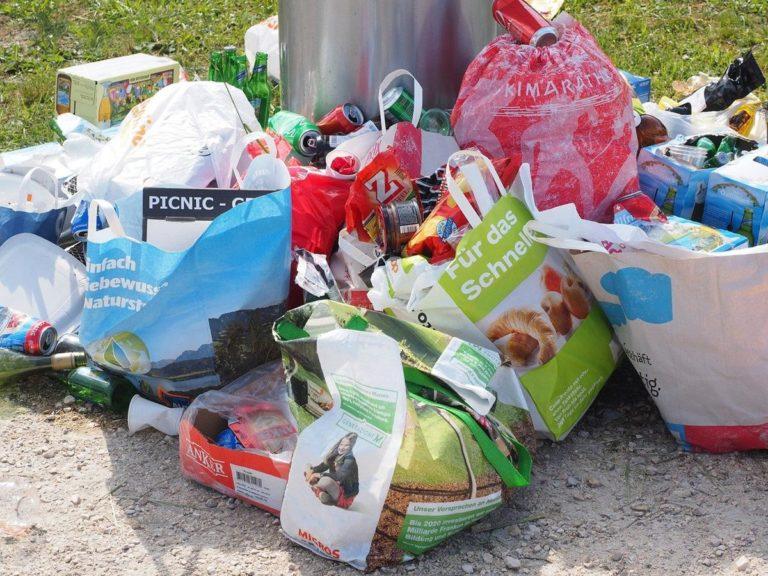 Kosze na śmieci miejskie i parkowe