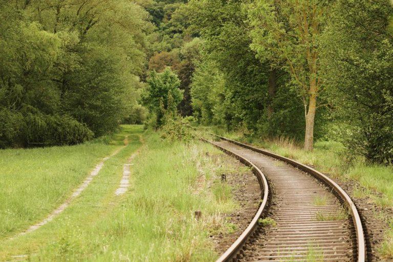 Jak odbywa się sterowanie ruchem kolejowym?
